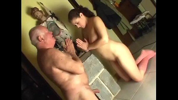 Michaela bezoekt haar opa